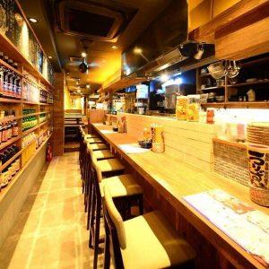 大曽根でカウンター席のある居酒屋【カリカリ熱々肉汁餃子 うりずん 大曽根店】